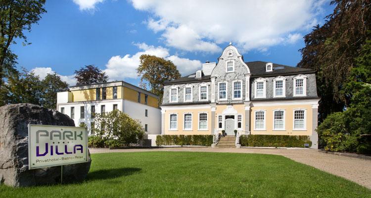 Einzigartiges hotel in wuppertal park villa for Hotel wuppertal