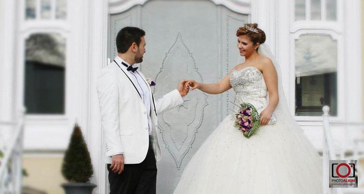 Hochzeitspaar vor der Park Villa
